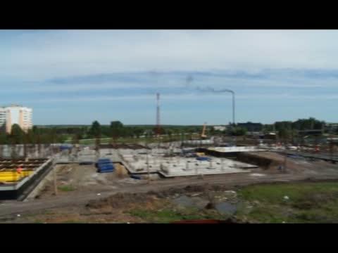 Строительство школы продолжается
