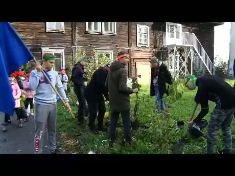 Юные активисты озеленяют город
